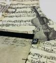 musical apron detail